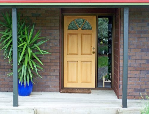 8 WARNING SIGNS THAT YOU NEED A NEW FRONT DOOR